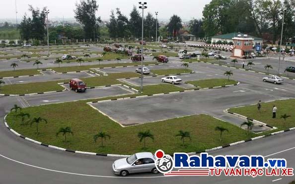 Trung tâm đào tạo lái xe ô tô Thành Công